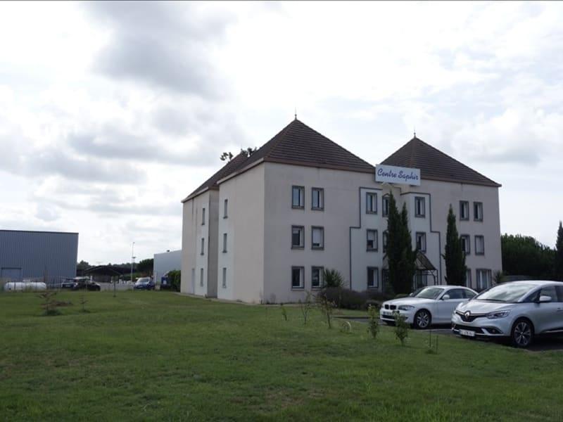 Rental empty room/storage St andre de cubzac 110€ HC - Picture 1