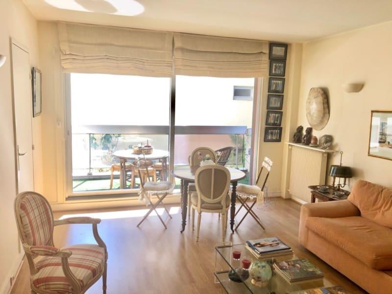 Rental apartment Paris 16ème 2090€ CC - Picture 1