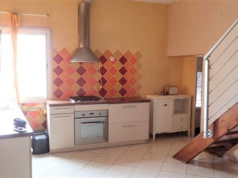 Rental apartment Saint maximin la ste baume 600€ CC - Picture 1