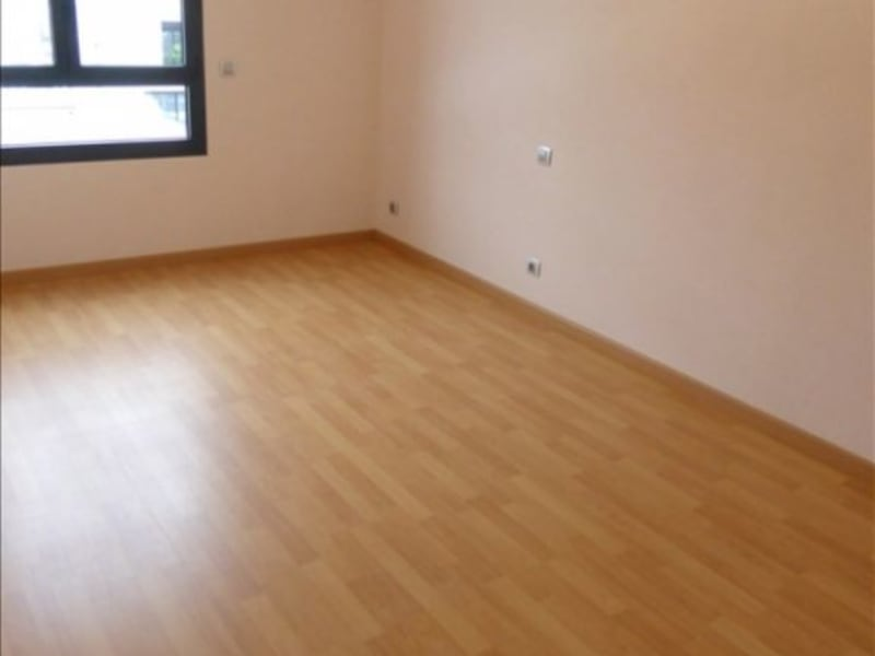 Rental apartment St genis pouilly 2100€ CC - Picture 5