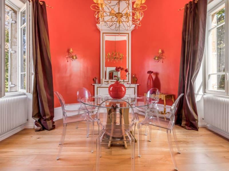 Appartement rénové dans un château