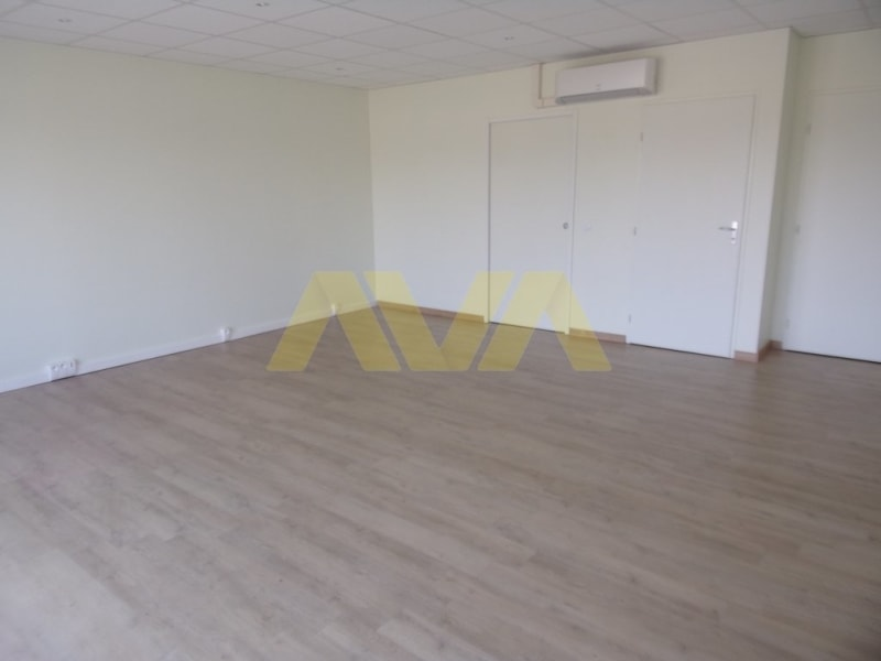 Rental empty room/storage Susmiou 540€ CC - Picture 2