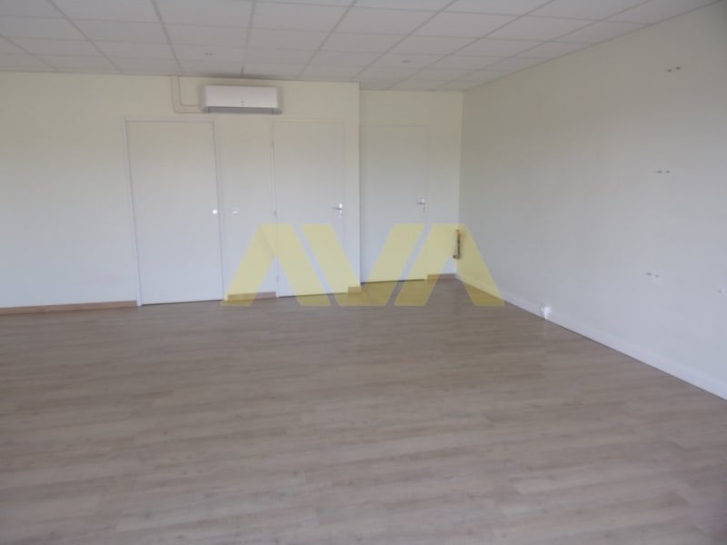 Rental empty room/storage Susmiou 540€ CC - Picture 3
