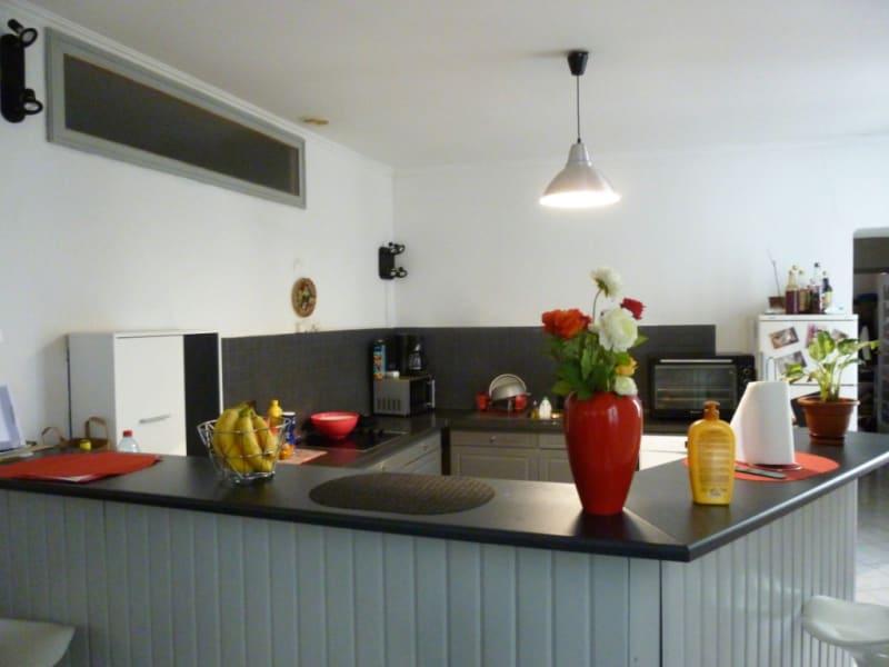 Sale apartment Nimes 123000€ - Picture 2
