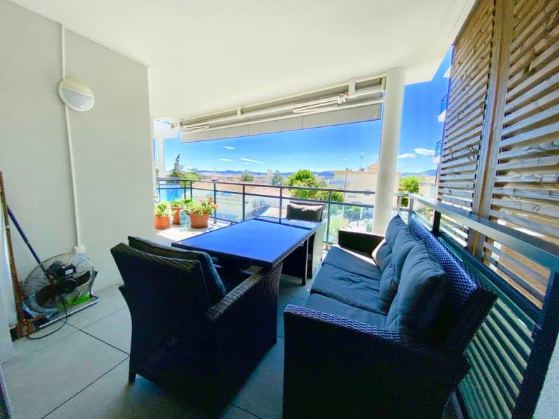 Sale apartment Saint laurent du var 342000€ - Picture 2