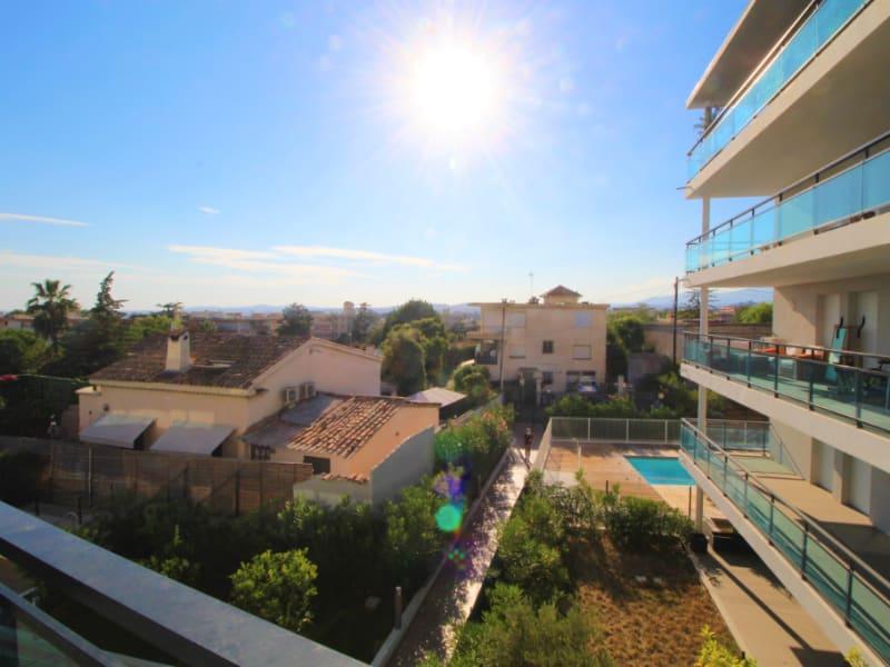 Sale apartment Saint laurent du var 342000€ - Picture 3