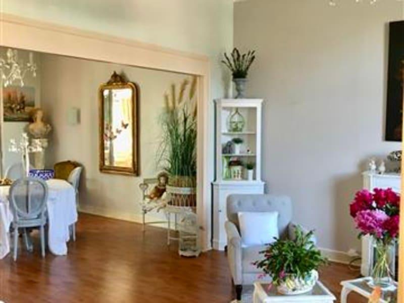 Deluxe sale house / villa Brasles 384000€ - Picture 1
