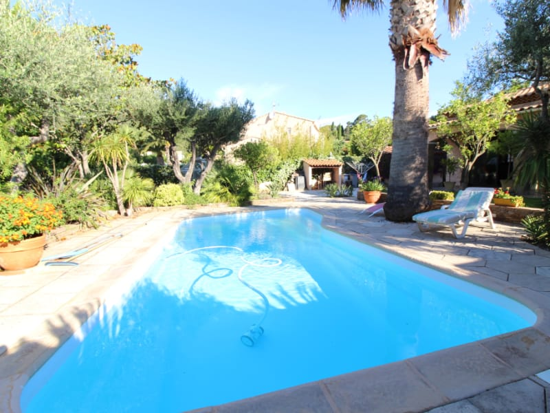 Vendita casa Hyeres 590000€ - Fotografia 3