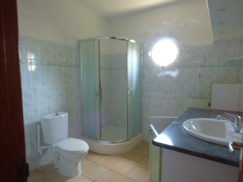 Location maison / villa Saint francois 2000€ CC - Photo 3