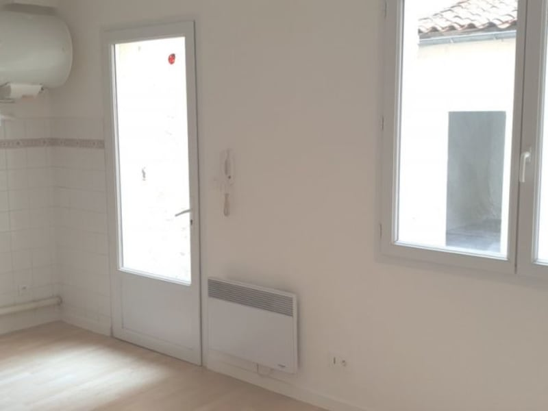 Rental apartment Cognac 402€ CC - Picture 3