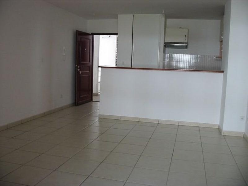 Location appartement St denis 605€ CC - Photo 1