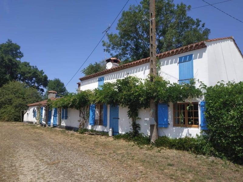 Sale house / villa Sainte flaive des loups 231500€ - Picture 1