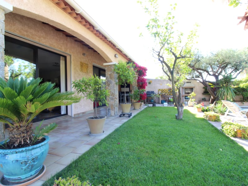 Vente maison / villa Hyeres 590000€ - Photo 2