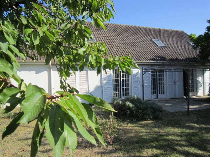Sale house / villa Longpont-sur-orge 398320€ - Picture 1