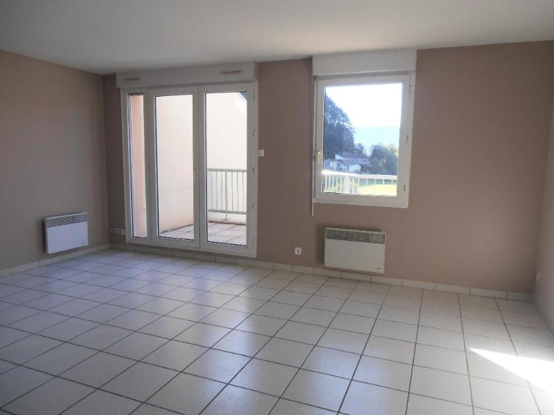 Rental apartment Montreal la cluse 700€ CC - Picture 2