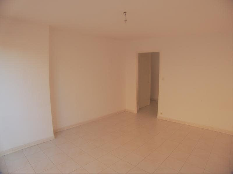Sale apartment Sanary sur mer 221 000€ - Picture 1