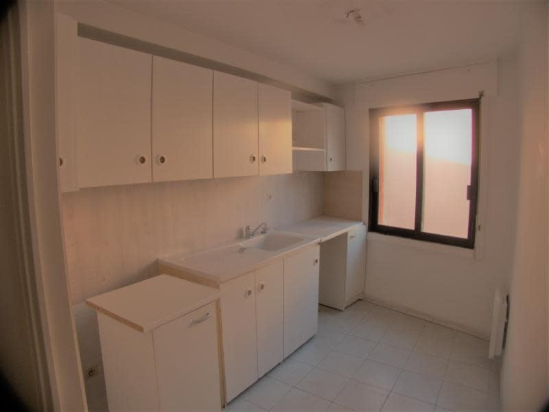 Sale apartment Sanary sur mer 221 000€ - Picture 2