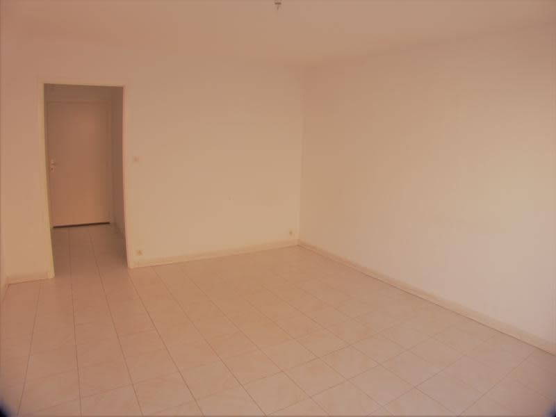Sale apartment Sanary sur mer 221 000€ - Picture 3