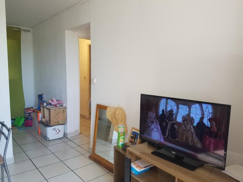 Sale apartment Le port 81 500€ - Picture 3