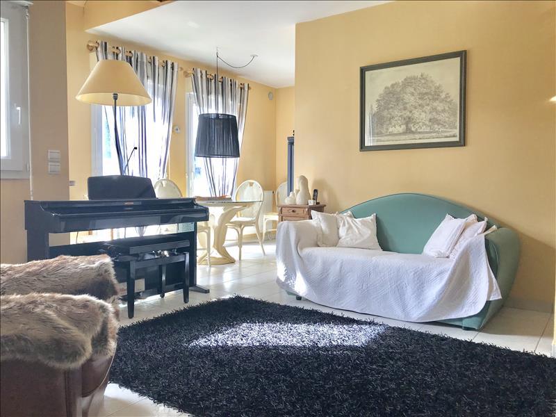 Sale apartment Tregueux 152975€ - Picture 2
