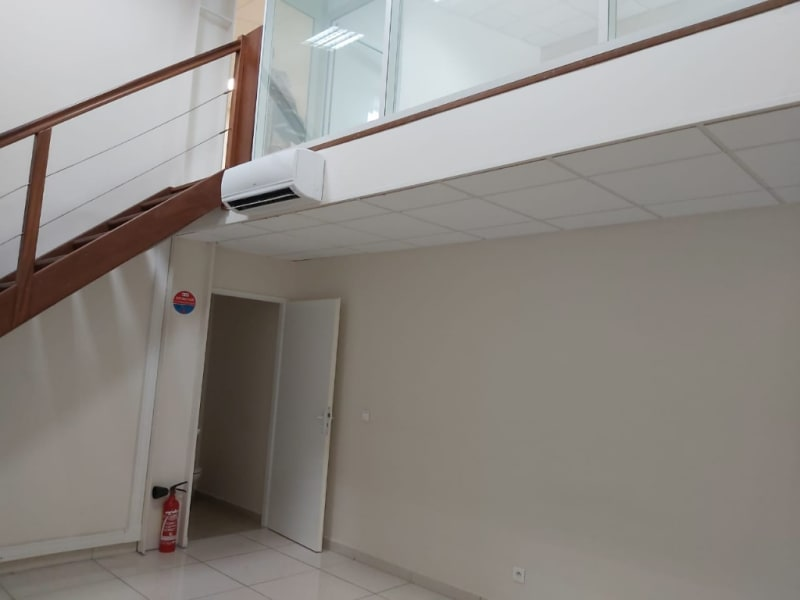 Location bureau Baie mahault 1 064€ HC - Photo 3