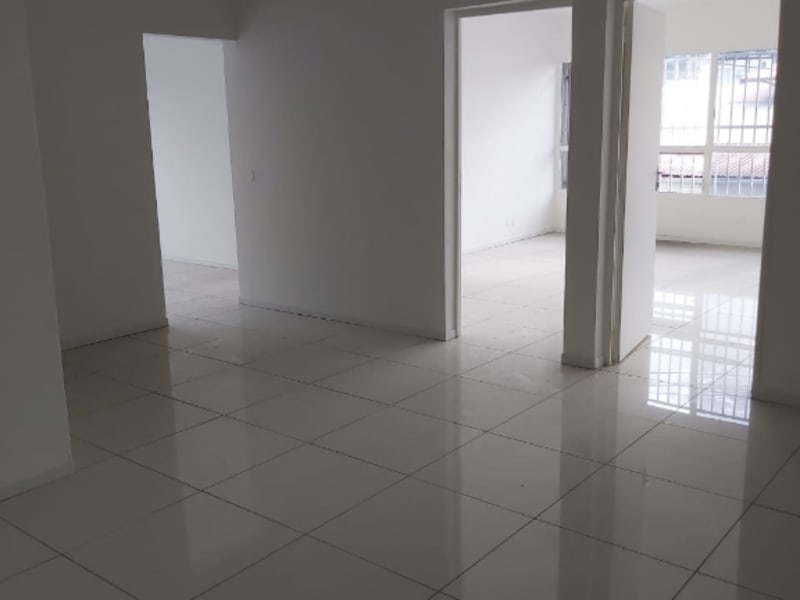 Location local commercial Baie mahault 1 680€ HC - Photo 3