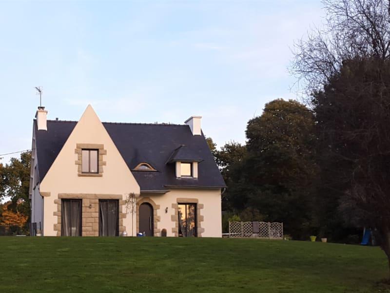 Sale house / villa Carhaix plouguer 208000€ - Picture 1