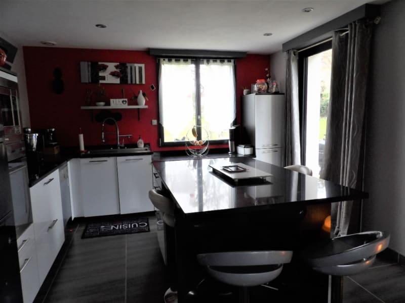 Sale house / villa Carhaix plouguer 208000€ - Picture 3