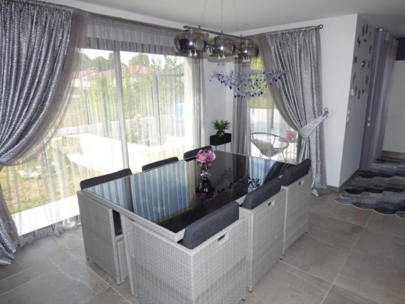 Sale house / villa Mours saint eusebe 340000€ - Picture 5