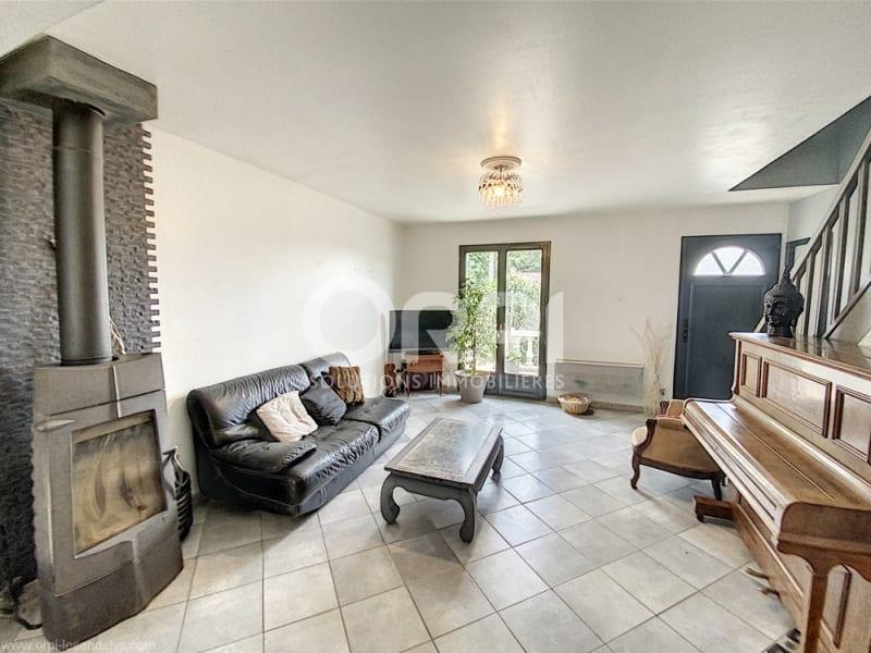 Sale house / villa Les andelys 204000€ - Picture 2