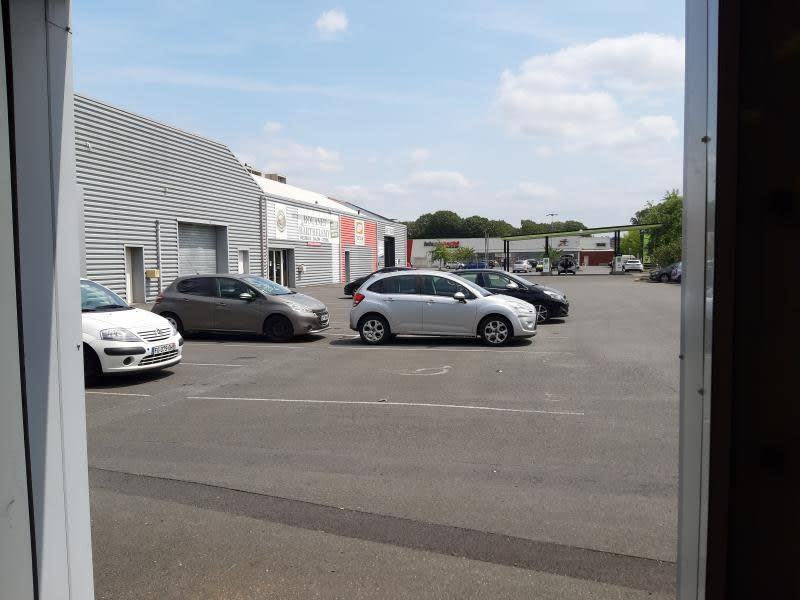 Location local commercial Castres 1 900€ HC - Photo 6