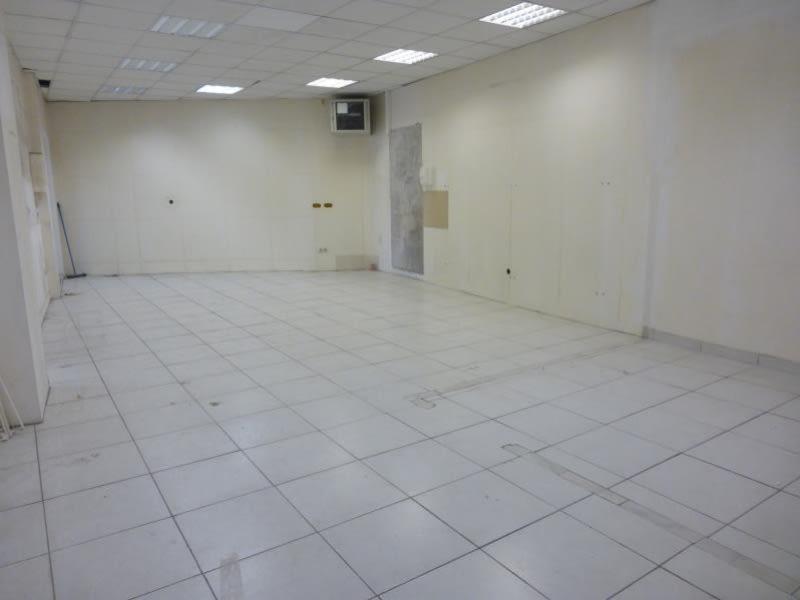 Rental empty room/storage St maximin la ste baume 900€ HC - Picture 1