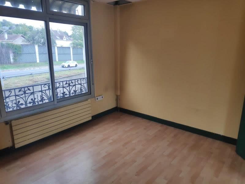 Rental empty room/storage Le pecq 1158,33€ HC - Picture 4