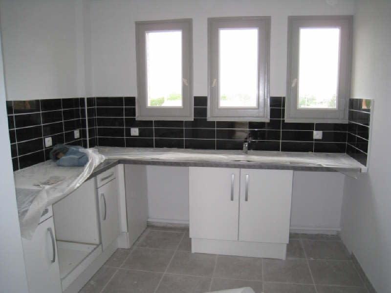 Location appartement Carcassonne 527,67€ CC - Photo 1