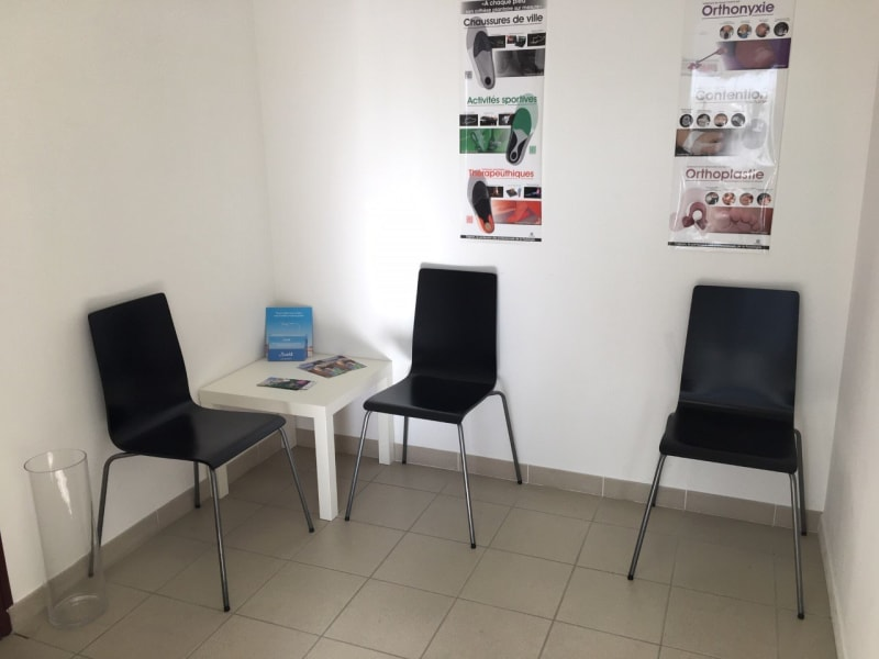 Location local commercial Champlan 510€ CC - Photo 1