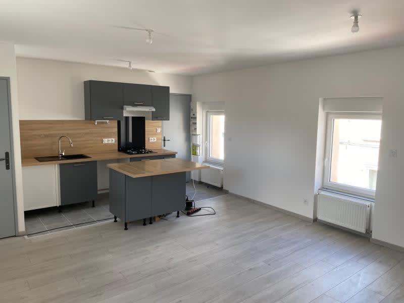 Rental apartment Renaison 500€ CC - Picture 1