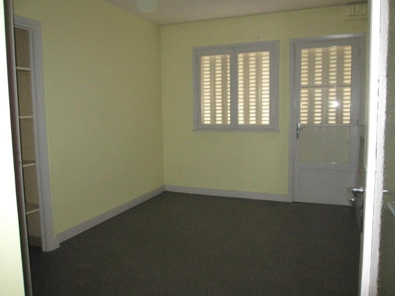 Rental empty room/storage Roanne 430€ HC - Picture 3