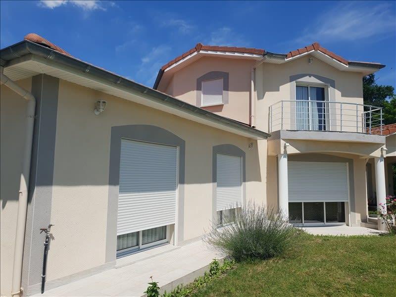 Sale house / villa Riorges 399000€ - Picture 2