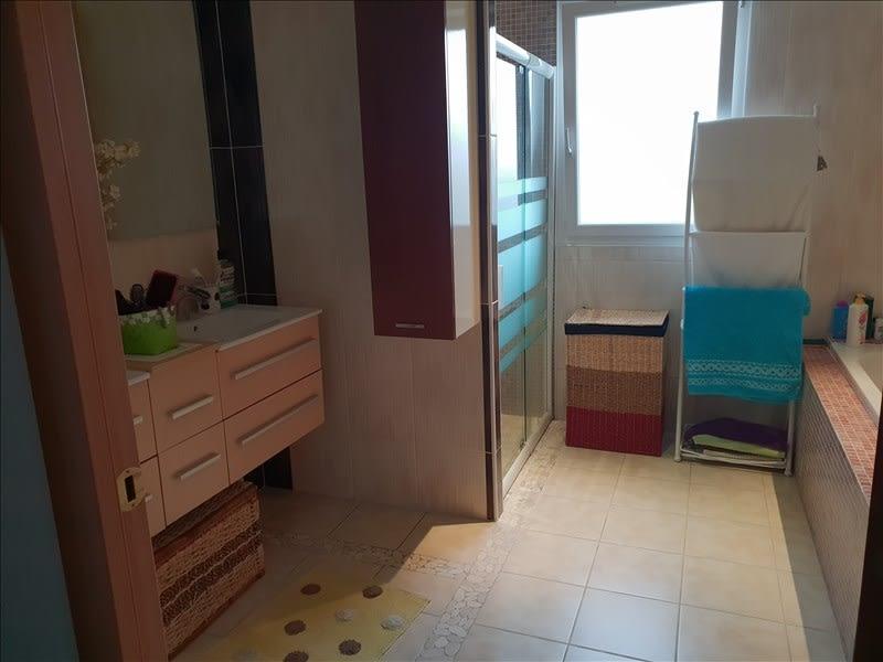 Sale house / villa Riorges 399000€ - Picture 8