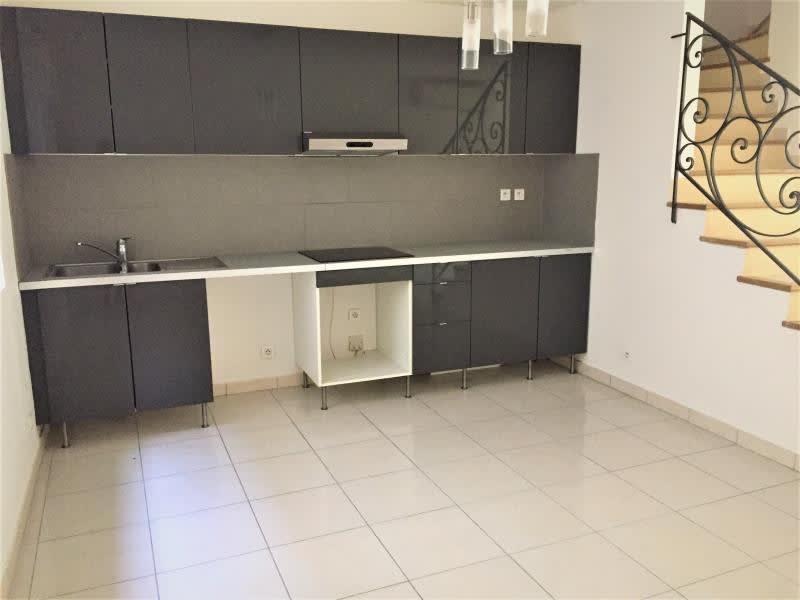 Location maison / villa Pertuis 886€ CC - Photo 2