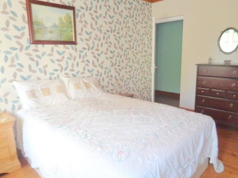 Sale house / villa St andre de cubzac 222500€ - Picture 6