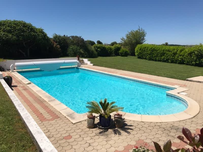 Sale house / villa St andre de cubzac 358000€ - Picture 4