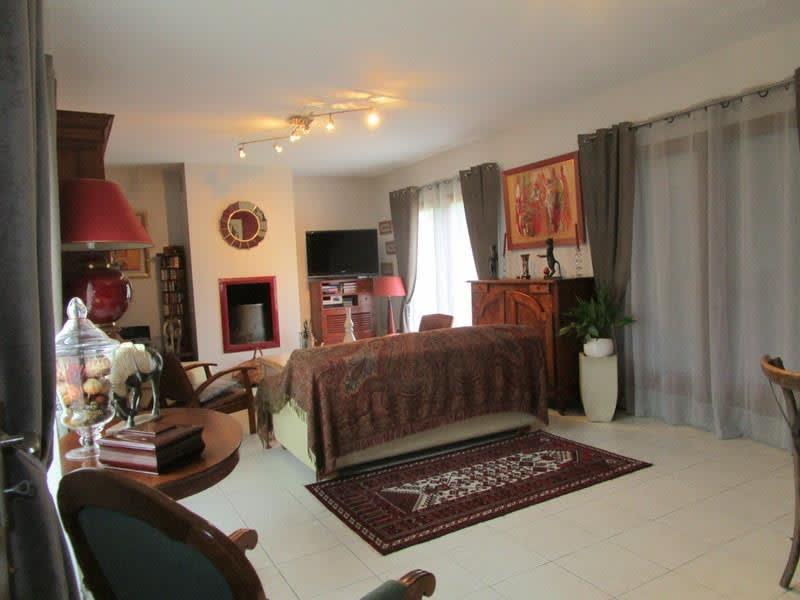 Sale house / villa Montendre 293000€ - Picture 5