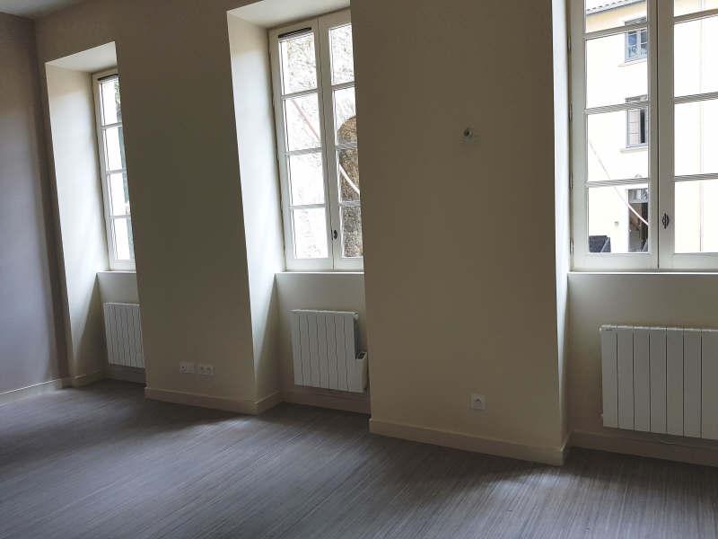 Rental apartment Vienne 370€ CC - Picture 2