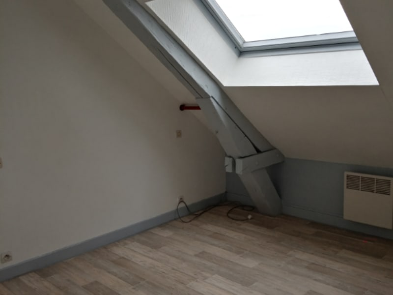 Rental apartment Saint quentin 390€ CC - Picture 5