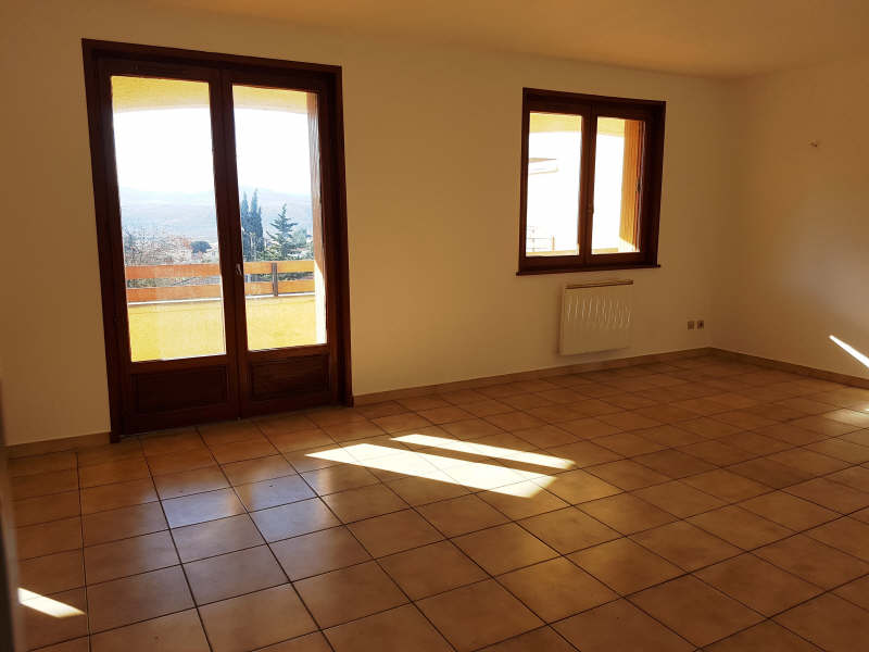 Rental apartment Le peage de roussillon 665€ CC - Picture 2