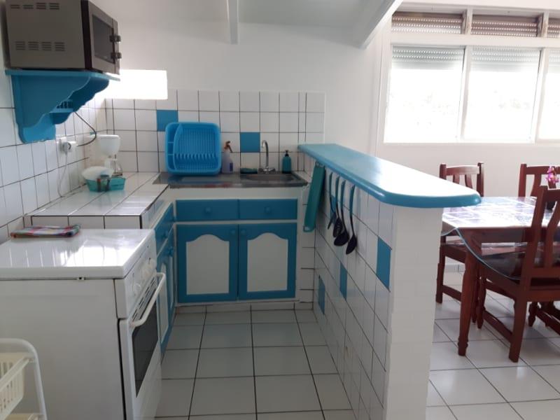 Location appartement Sainte anne 690€ CC - Photo 2