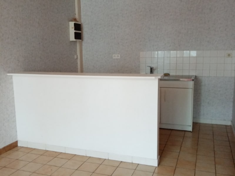 Rental apartment Saint quentin 405€ CC - Picture 3