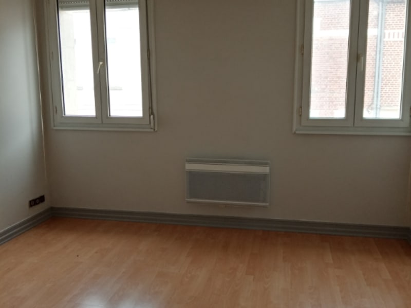 Rental apartment Saint quentin 625€ CC - Picture 6