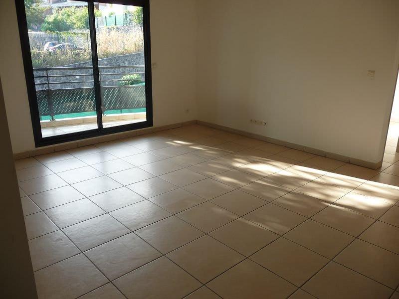 Location appartement La possession 560€ CC - Photo 3